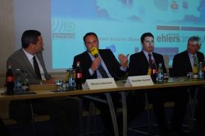 """Podiumsdiskussion in Buttenheim, Fa. Salzbrenner, zum Thema """"Welche Chancen bietet die Kommunikationsrevolution für Bamberg?"""""""